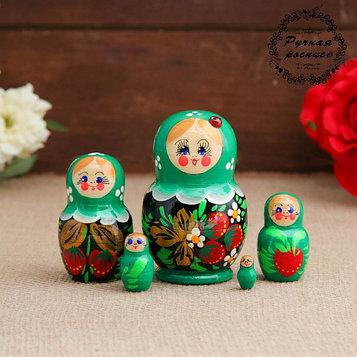 Матрёшка «Божья коровка», зелёное платье, 5 кукольная, 10 см