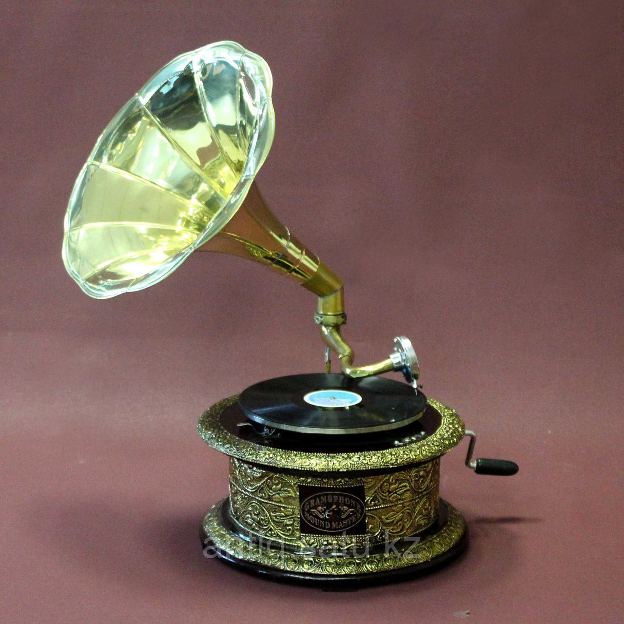 Граммофон. 5 старинных пластинок в подарок покупателю. - фото 1