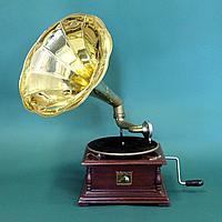 Граммофон. Victor His Masters Voice. 5 старинных пластинок в подарок покупателю.