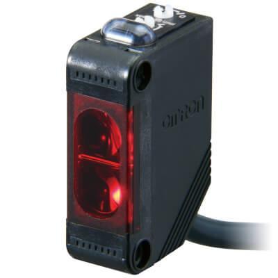 Фотоэлектрический датчик E3Z-R81 2M OMRON