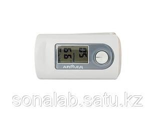 Пульсоксиметр Армед - позволяет узнать частоту пульса и уровень кислорода в крови.
