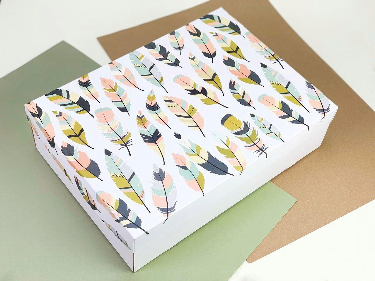 "Подарочная коробка ""Перья"". Размер: 35*25*9"