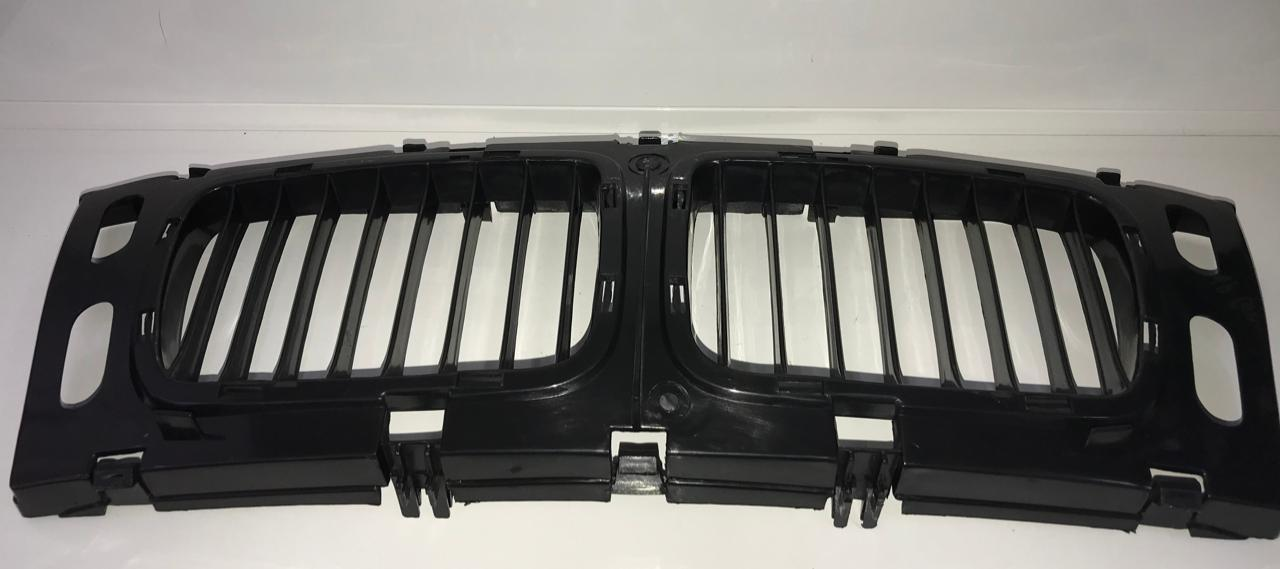 Решетка радиатора - фото 1