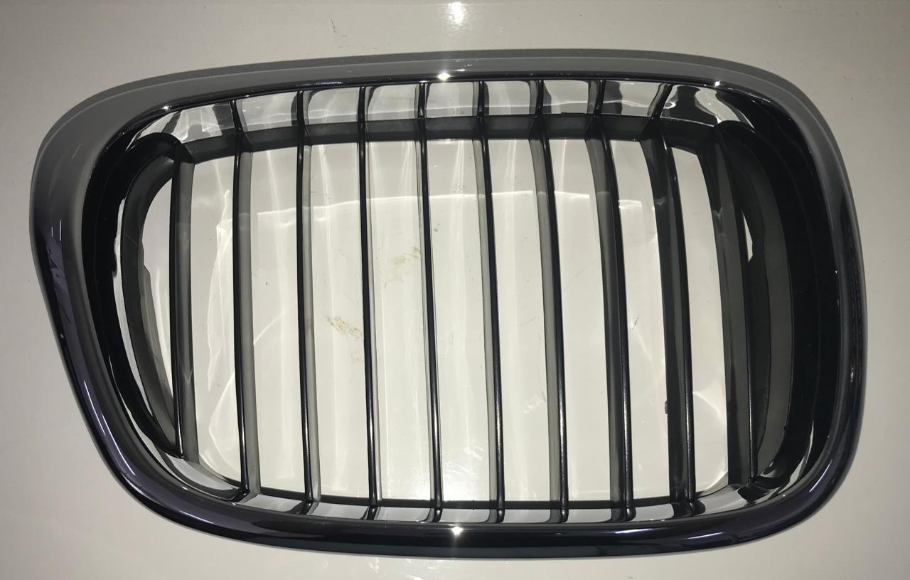 Решетка радиатора BMW E39 - фото 2