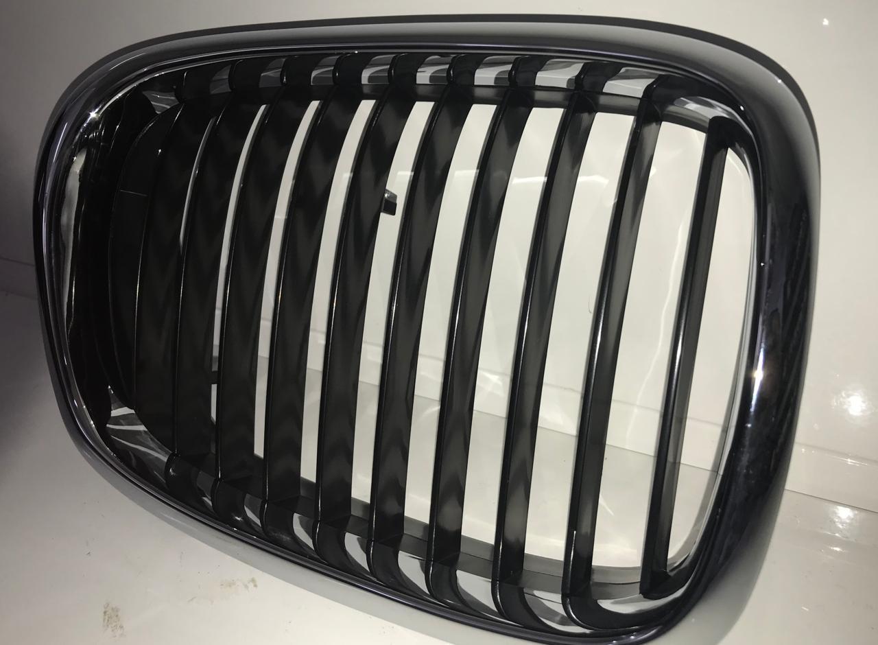 Решетка радиатора BMW E39 - фото 3