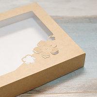 Коробка 16*16*3 с цветком