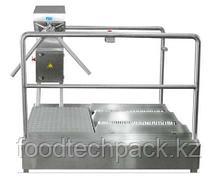 Проходная машина для чистки подошв с вращающимся барьером  1403200714