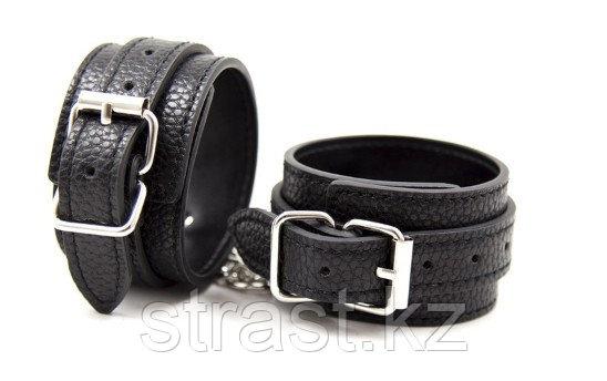 Черные узкие наручники  для фиксации рук