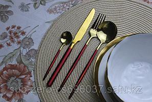 Набор столовых приборов красно-золотистый, 4 предмета