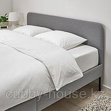 СЛАТТУМ Каркас кровати с обивкой, Книса светло-серый, 140x200 см, фото 3