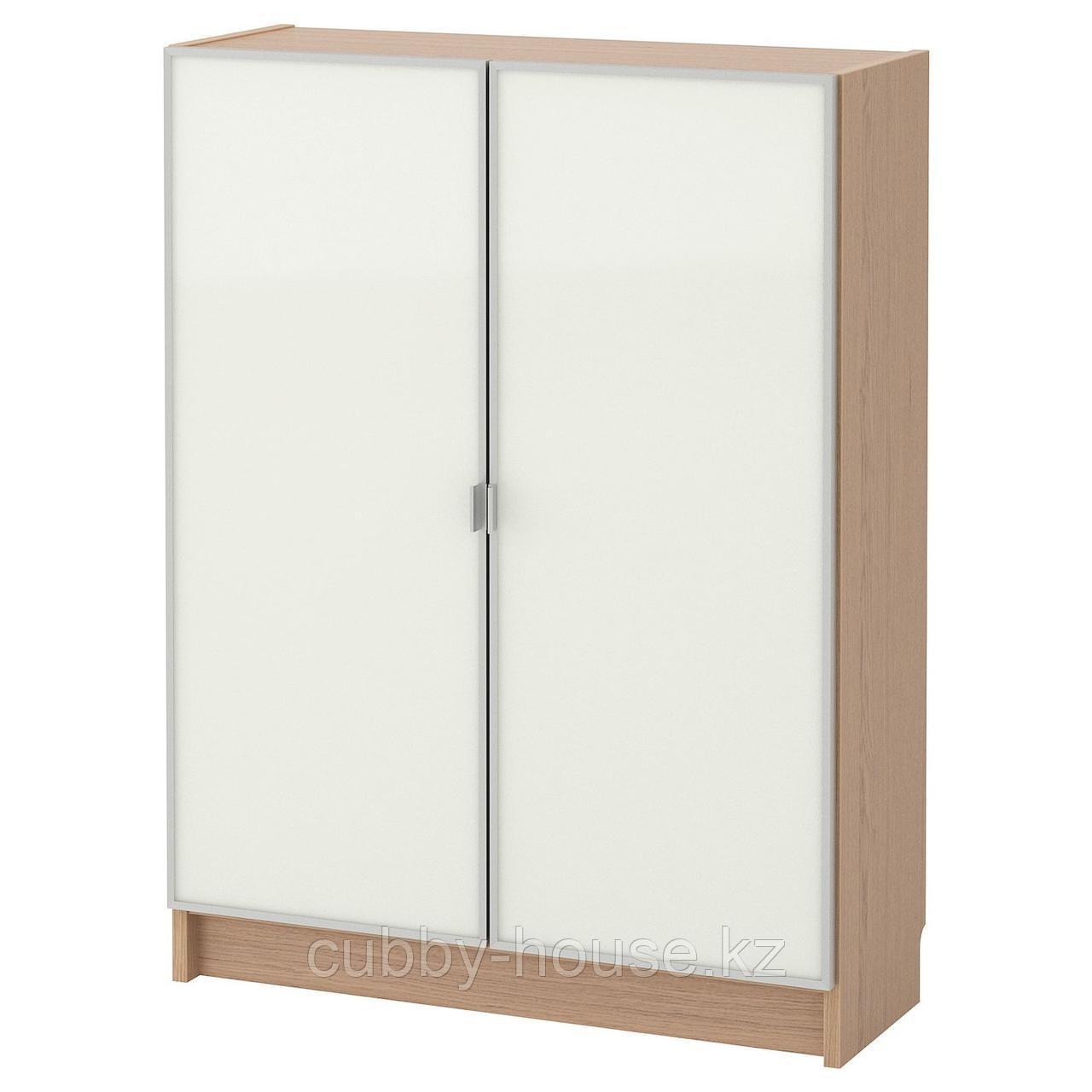 БИЛЛИ / МОРЛИДЕН Шкаф книжный со стеклянными дверьми, коричневый ясеневый шпон, стекло, 80x30x106 см
