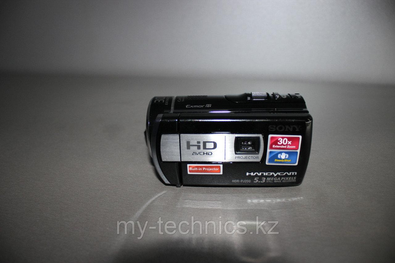 Цифровая видеокамера  Sony HDR-PJ200