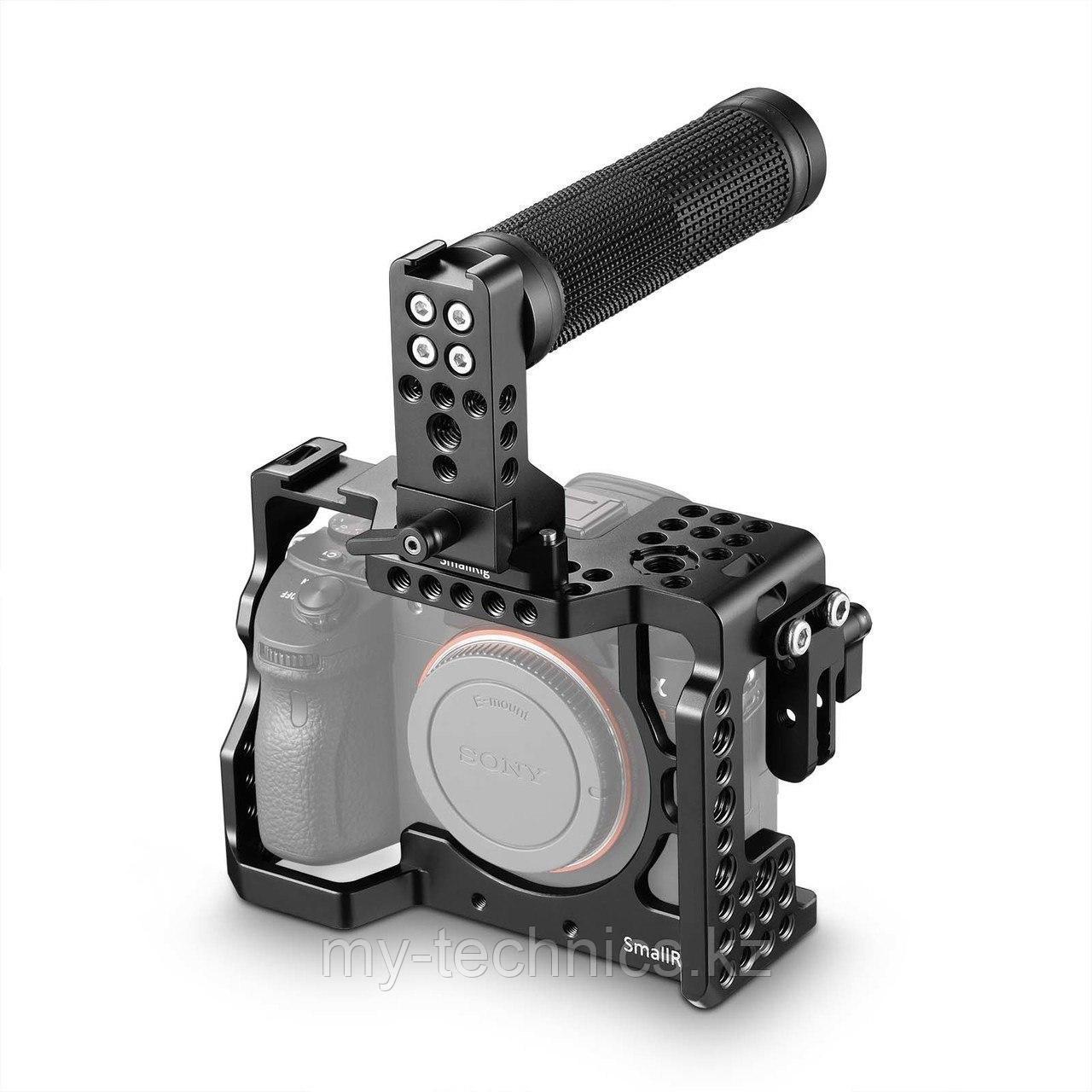 Фотоаппарат Sony Alpha A7 III Body + Клетка SmallRig 2103