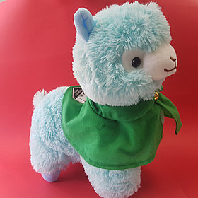 Плюшевая альпака с плащом, зелёная (35 см)