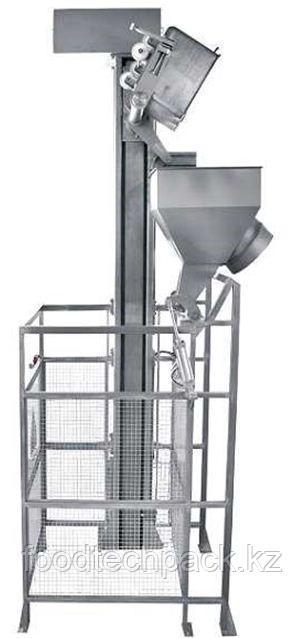 Подъёмник-загрузчик с подвижным лотком и забором 31.1535.22
