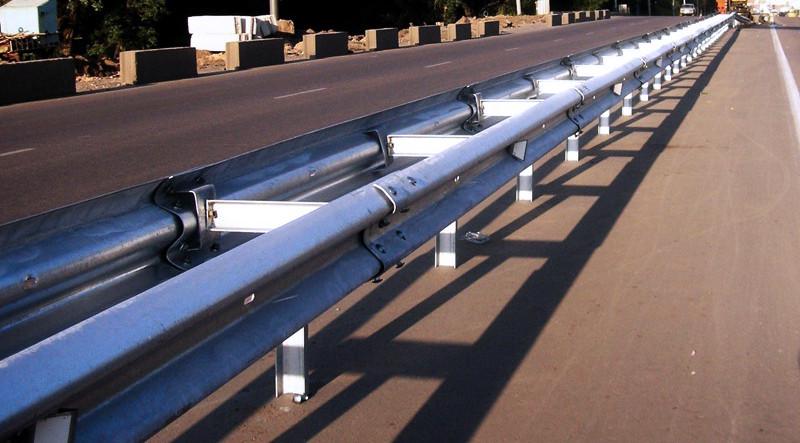 Дорожные и мостовые барьерные ограждения