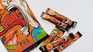 Жевательная конфета Chupa Chups Sour Infernals СУПЕР КИСЛАЯ 6гр (15 шт в упаковке)