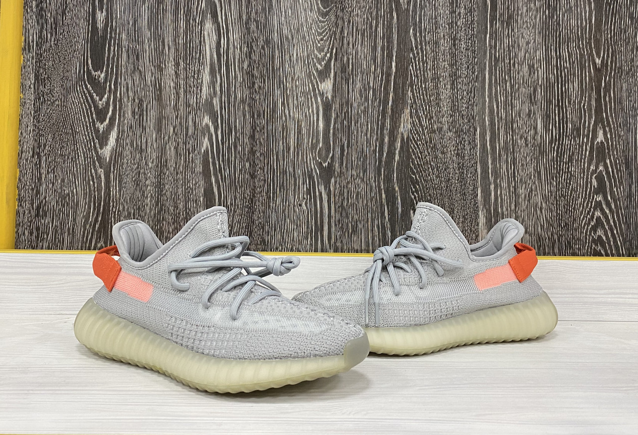 "Кроссовки Adidas Yeezy Boost 350 V2 ""Tail Light"""