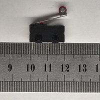 Концевой выключатель 20х10х6мм, колесо на планке SM5-05N