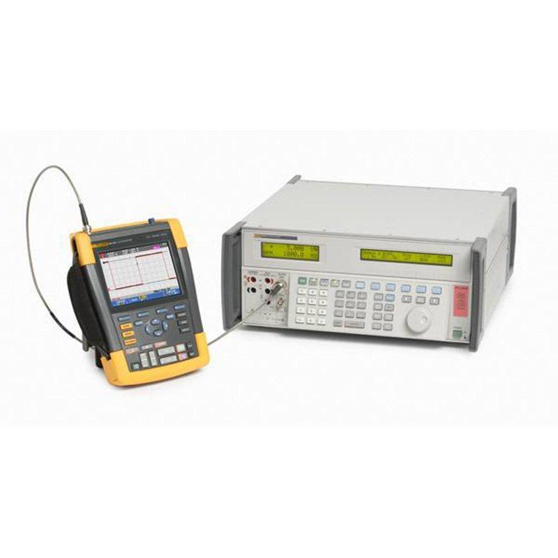 Калибратор для нескольких приборов Fluke 5502A/6 240