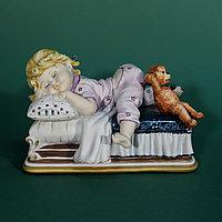 Скульптура «Спящая девочка» Автор Edoardo Tasca.