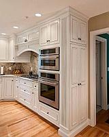 Классический кухонный гарнитур на заказ (материал на выбор заказчика)