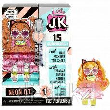 Игровой набор с куклой L.O.L. SURPRISE! s1 JK NEON QT