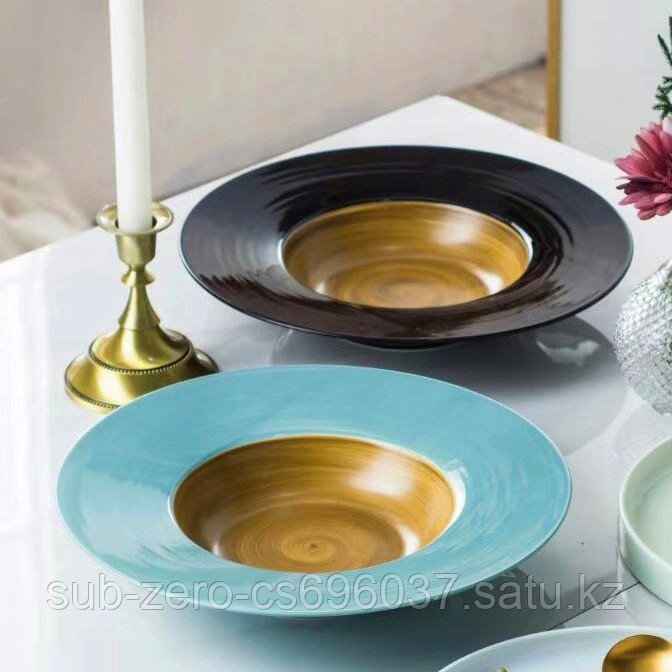 Керамические тарелки с широкими полями