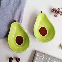 Тарелка в форме авокадо