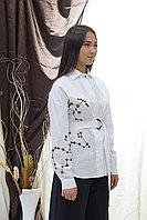 Белая блуза с черной вышивкой 2020