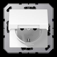 A500 Розетка с крышкой 2К+З 16 А 250В~ зажимные клеммы, бел.