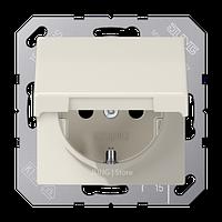 AS500 Розетка с крышкой 2К+З 16 А 250В~, беж.