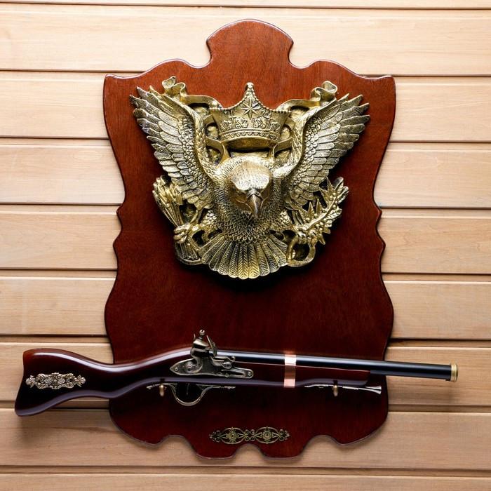 Сувенирное ружье на планшете с орлом, 40х60 см