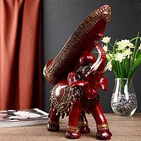 """Фигурка-подставка под бутылку """"Слон с попоной с кисточками"""""""
