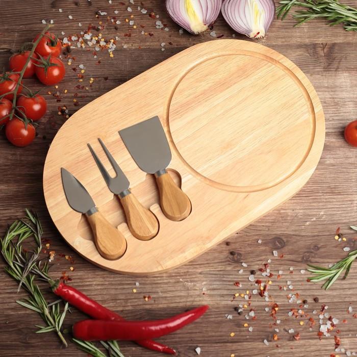 Набор для подачи сыра: доска из дуба 32,5×20,5×1,5 см, 3 ножа для сыра