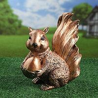 """Садовая фигура """"Белка с орехом"""", медный цвет, 31,5 см"""