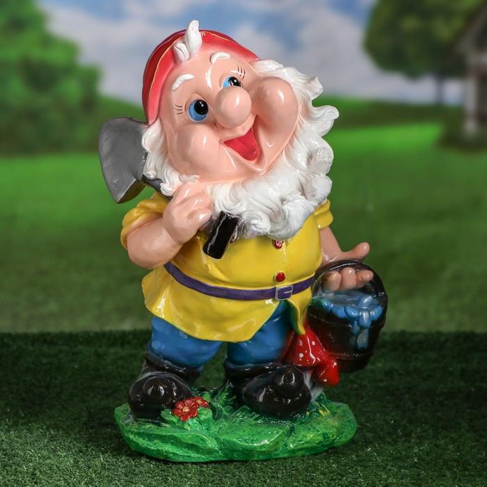"""Садовая фигура """"Гном с лопатой и ведром воды"""", разноцветный, 33 см"""