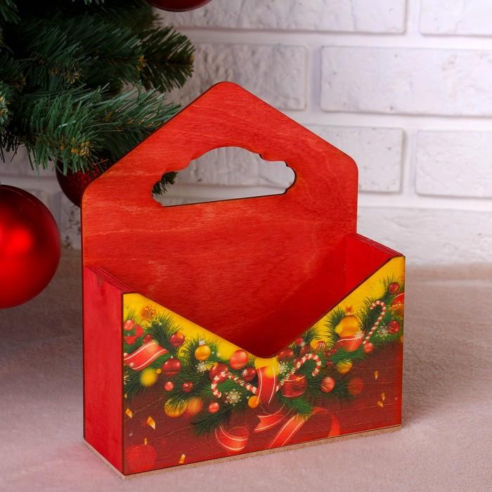 """Кашпо флористическое """"Конверт, Новогодний №4"""", деревянная ручка, красное, 20,5×18×6 см"""