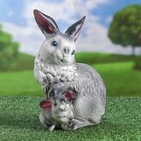 """Садовая фигура """"Зайчиха с малышом"""", серый цвет, 23 см, микс, фото 1"""
