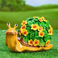 """Садовая фигура """"Улитка резная"""" акрил, цветы желтые 20х11х12см"""