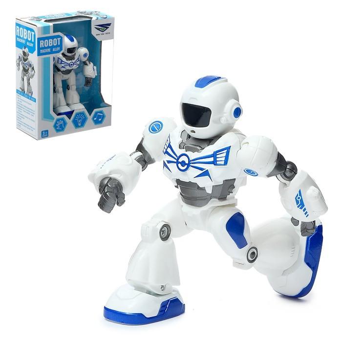 Робот «Герой», световые и звуковые эффекты, работает от батареек, с металлическими элементами