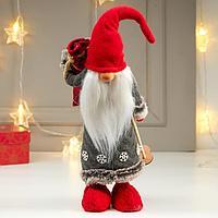 """Кукла интерьерная """"Дедушка Мороз с мешком подарков и лыжными палками"""" 40х14х16 см"""