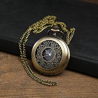 """Часы карманные """"Бонжур"""", кварцевые, на цепочке, чёрный циферблат, бронзовые, d=4.5 см"""