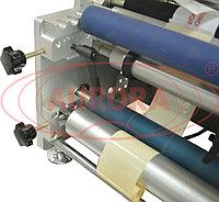 Завод АВРОРА Полуавтоматический этикетировщик для одновременного нанесения передней и задней этикетки АЭ-2 Плюс с датировщиком