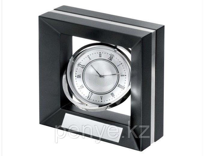 """Настольный металлический сувенир с часами """"Constitution"""""""