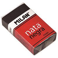 Ластик Milan Nata 7030 прямоуг., пластик, картон.держат., черный 39*24*10мм