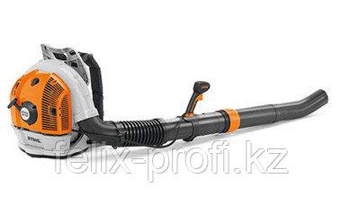 Воздуходувное устройство STIHL BR 700, раб.объём 64,8 см³, макс.скорость возд.потока 74 м/с
