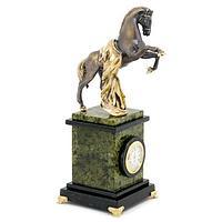 Часы «Конь с попоной», камень змеевик