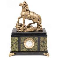 Часы «Конь» змеевик статуэтка мрамолит