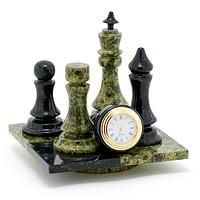Часы «Шах и мат», камень змеевик